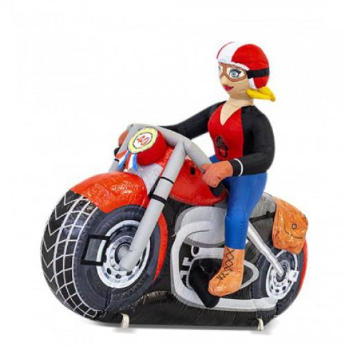 Sarah op motor