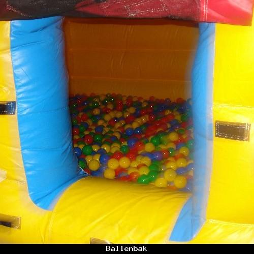 Springkussen ballenbad circus